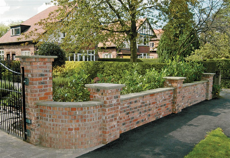 Brickwork garden walls retaining walls boundary walls for Garden wall designs
