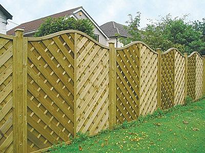 fencing essex garden and commercial fencing installation se landscape constructionse. Black Bedroom Furniture Sets. Home Design Ideas