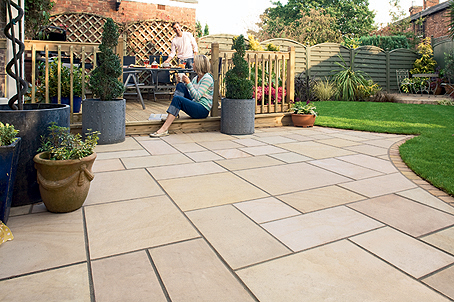 Patios garden paving essex design installation se for Garden decking and slabs