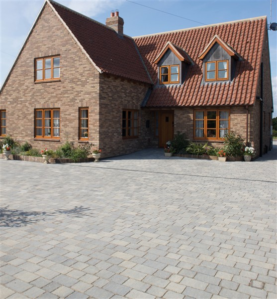 How to choose a driveway block paving contractorse for How to choose a building contractor