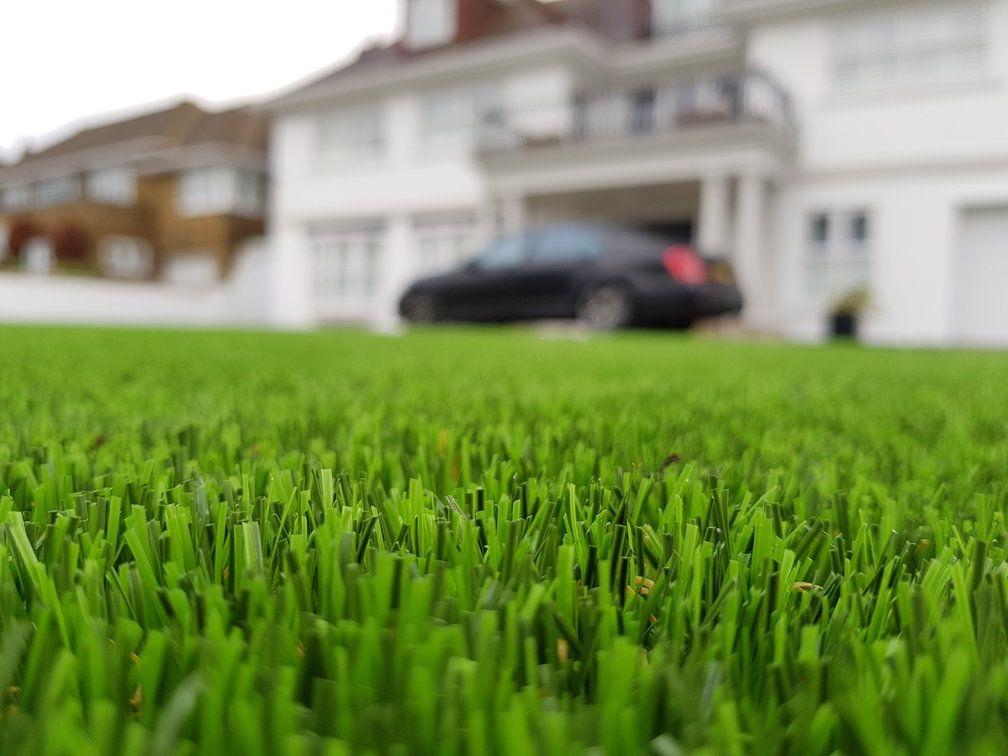 Artificial-Grass-Installation-in-Essex