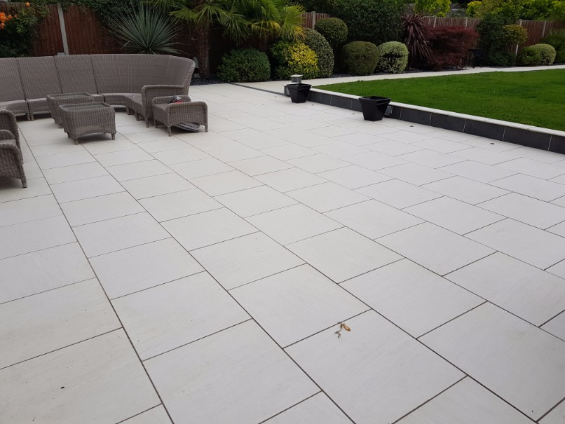 Patio paving in Billiericay Essex