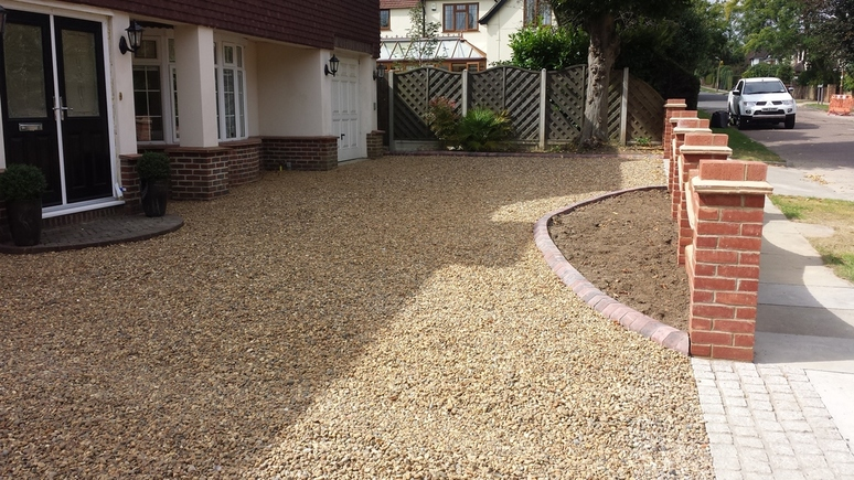 gravel driveway installation in leigh on sea, Essex